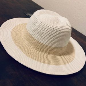 White  cream beach sun hat